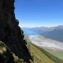Dart River se jettant dans le Lac Wakatipu (vu depuis le Mont Alfred)